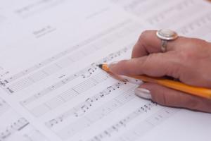 compose-hand-music-3090